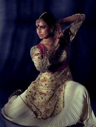 Sharmini Tharmaratnam - Kathak Dance (India)