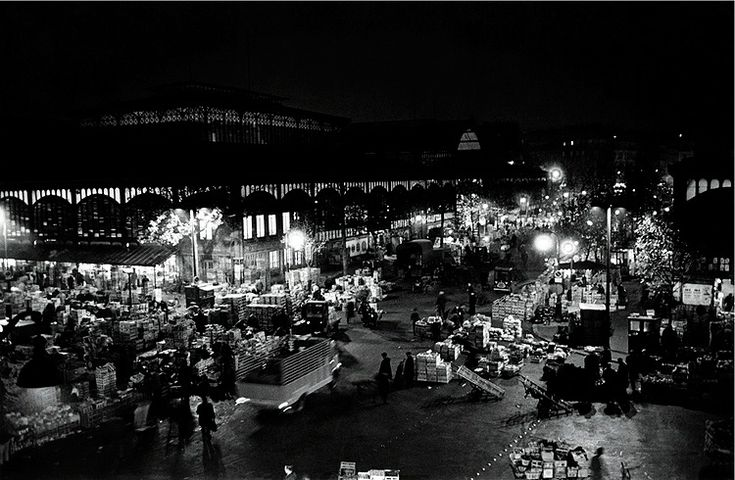 Robert Doisneau // Les Halles at night, 1967, Paris © Atelier Robert Doisneau