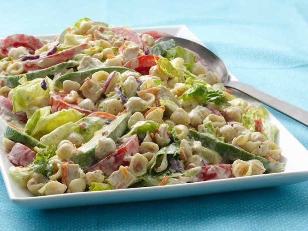 California Chicken BLT Salad: Pasta Salad Style, Lunches Recipes, Suddenly Salad, Pasta Recipes, Chicken Blt, Blts Pasta Salad, California Chicken, Blt Salad, Chicken Salad Recipes