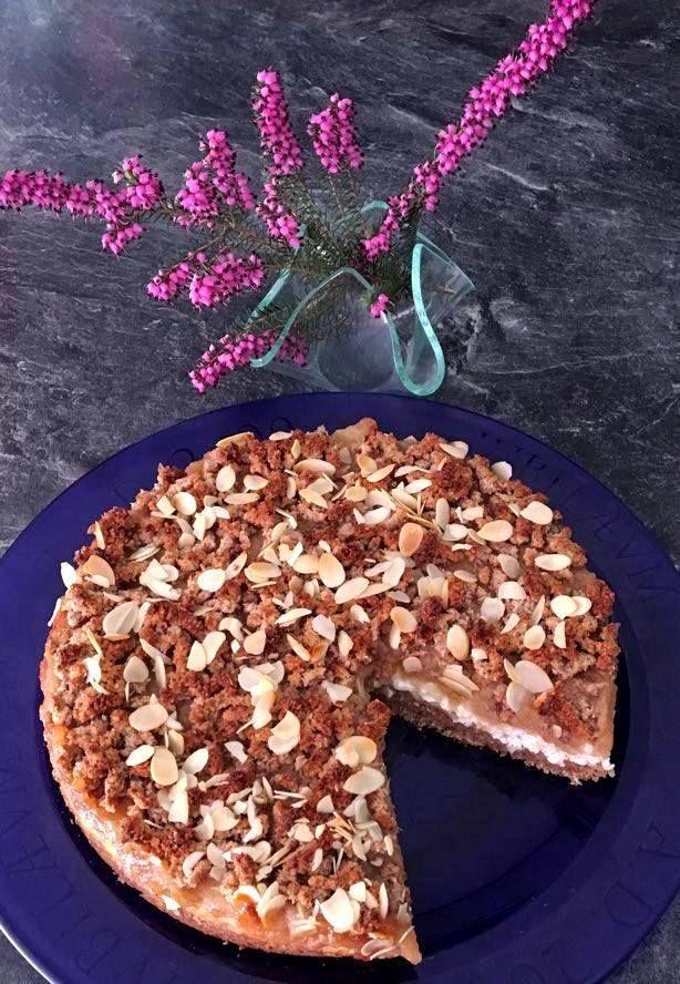 Fitnesz túrós-almás pite (kókuszreszelékből és zabpehelyből)