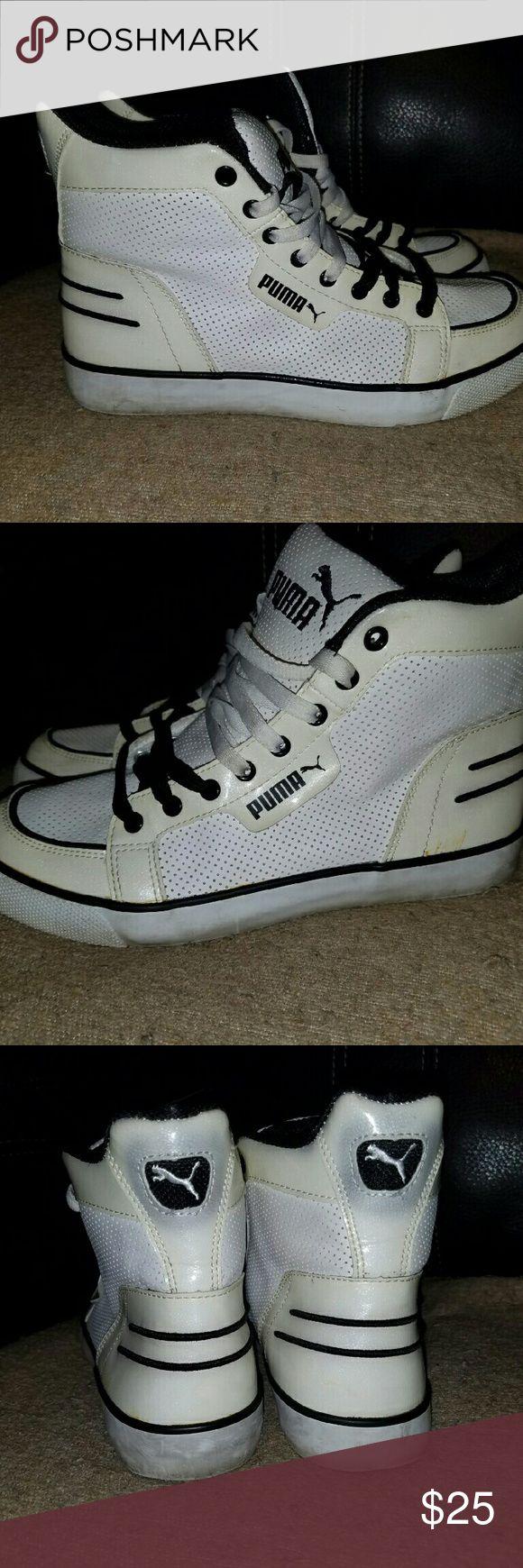 Puma shoes womens Womens puma shoes used worn as is no box good condition Puma Shoes