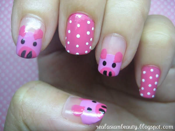 piggie nails! Need to show this to Gracie!!