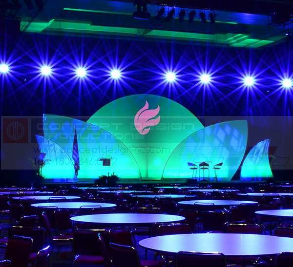 These beautiful Quarter Rounds are made from steel frames with stretched fabric panels! If you would like a stage design with more than 2 of either size, please allow 2 weeks for fabrication. #design #events #corporate #staging #liveevents #liveshow #production  #eventplanning #event #creative #custom  #branding #logo #brand #modular