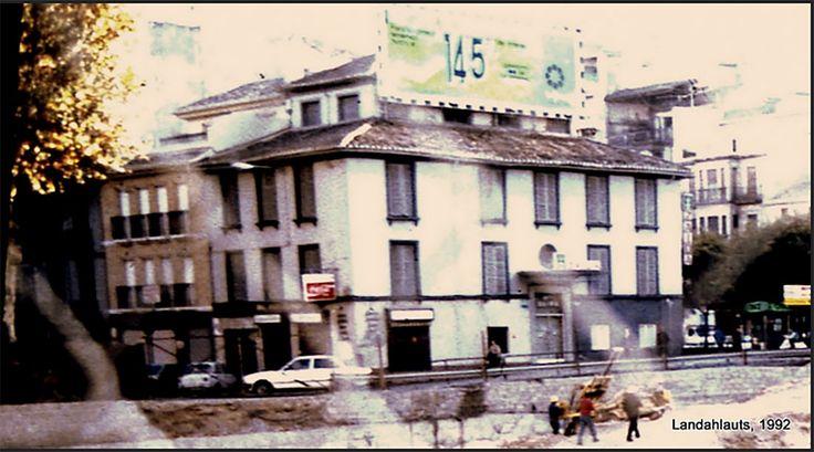 Hotel Zaida, y delante de él, las obras del aparcamiento de la Fuente de las Batallas.    Granada, 1992  Andalucía