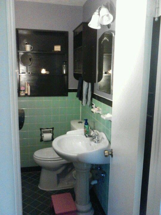 Mint green tiled bathroom painted tile elegant vintage for Mint green bathroom ideas