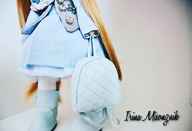 44 отметок «Нравится», 3 комментариев — Интерьерные куклы из текстиля (@irruussik) в Instagram: «Детали) #кукла #тильда #интерьернаякукла #текстильнаякукла #люблюшитькукол❤️ #кукласвоимируками…»