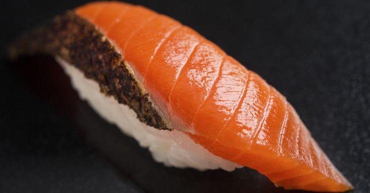Sushi Nakazawa, one of New York City's top-rated sushi restaurants, is now serving its 20-course omakase menu for lunch six days a week.