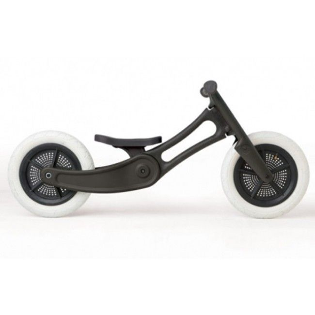 As far as ride-on toys go, they don't get much cooler than this. Meet the popular Wishbone 3-in-1 balance bike, in all its recycled glory. This eco-friendly bike is made from post-consumer recycled carpet - amazing! It comes with a unique RotafixTM system that allows for easy adjustability of the seat, taking the seat from 25cm to 50cm high - this means the bike can be changed to suit your child as they grow. #wishbone #rideontoys #toystore #bike #healthyliving #entropytoys