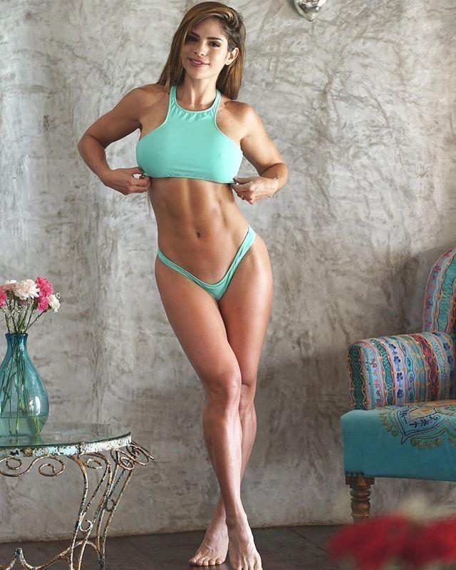 023bbfffcd6541 Michelle Lewin 🔥 | in shape | Bikini girls, Sexy, Ripped girls