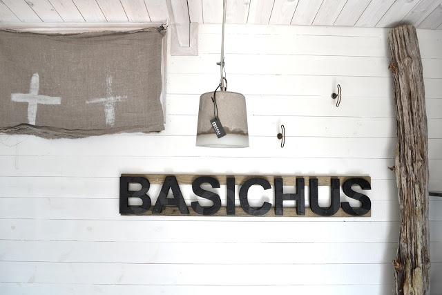 http://basiclabelsweden.blogspot.se/2013/04/hus.html