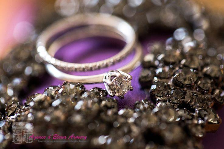 Свадьба в Провансе, сборы невесты, обручальное кольцо. Красивые свадьбы во Франции от Agence d'Elena Armery - Paris