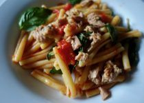 Quick Pasta with Cherry Tomatoes, Basil and Tuna