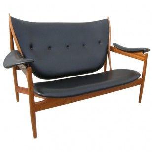 Double Chieftain Chair by Finn Juhl
