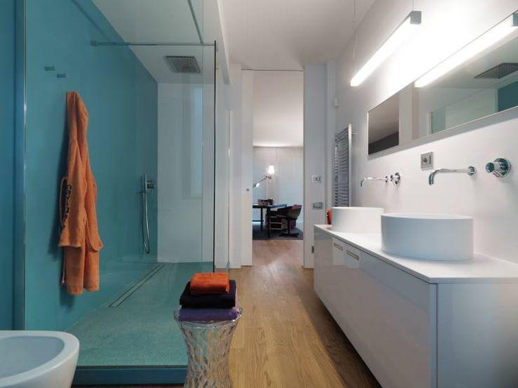 Niente ante o porte scorrevoli, massima apertura e un design minimale funzionale: la doccia walk-in è senza dubbio l'ultima frontiera del comfort nella stanza da bagno.
