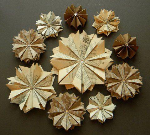 paperikukkia taitellen via Meidän perheessä juhlitaan -blogi