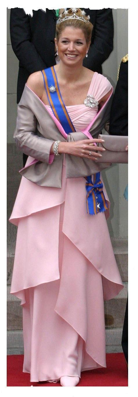 Zweden 2004, één van haar mooiste jurken (en schoenen en tas natuurlijk)  www.palettecolourshoes.nl