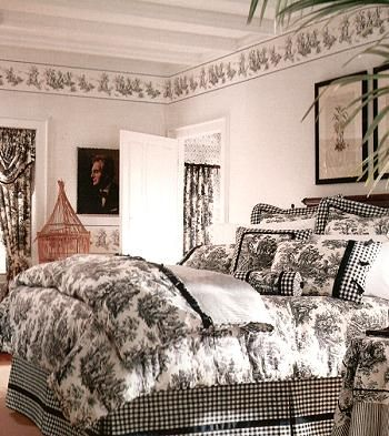 I Made A Complete Black And White Toile Bedding Drapery Set For Both My Guest Room And My Bff