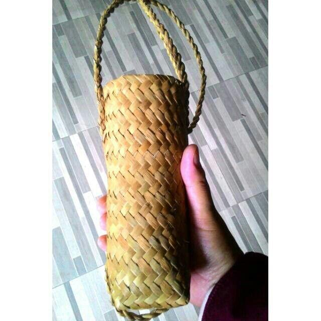 Saya menjual Tempat Botol Air Mineral seharga Rp15.000. Dapatkan produk ini hanya di Shopee! https://shopee.co.id/borneoethnic/805502483 #ShopeeID