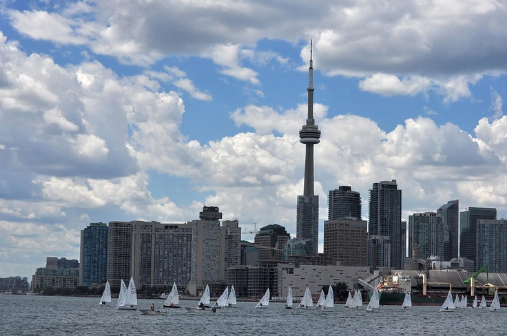 ✯ Toronto Skyline With CN Tower And Sailboats