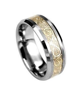 Inel din tungsten, cu design auriu special - BeSpecial.ro