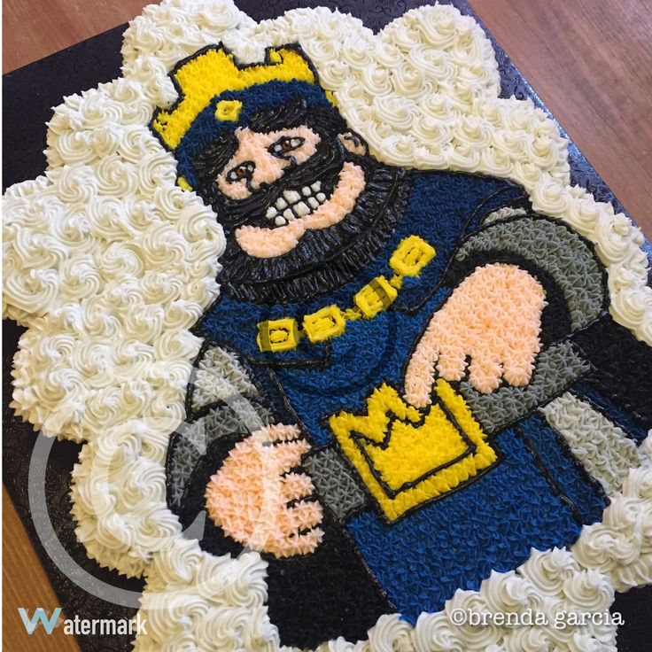 Clash royale blue king cupcake cake