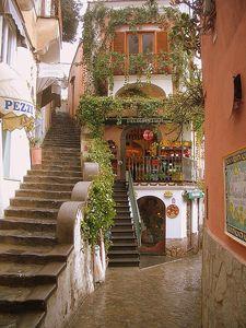 positano, winding alleys, narrow staircases, perfection