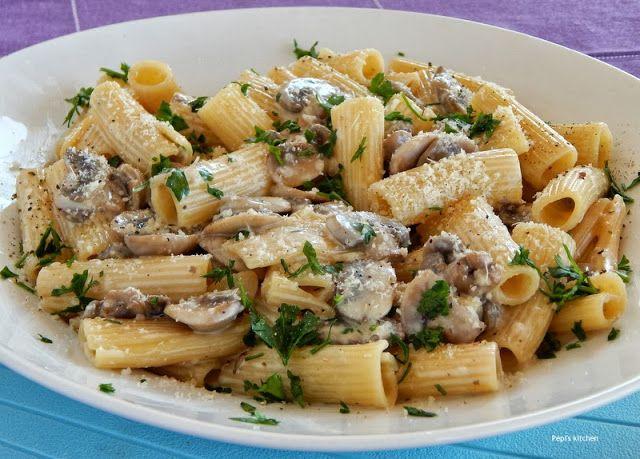 Ριγκατόνι με μανιτάρια http://pepiskitchen.blogspot.gr/2011/07/blog-post.html