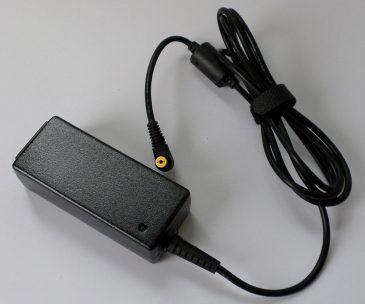 Charger For Dell Inspiron Mini 10, 1011, 1012, 1018, 10v, 12, 1210, 19v 1.58A Original