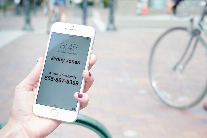 Add ur name n emergency no in phone lock screen                 10 Genius Smartphone Hacks That Will Change Your Life