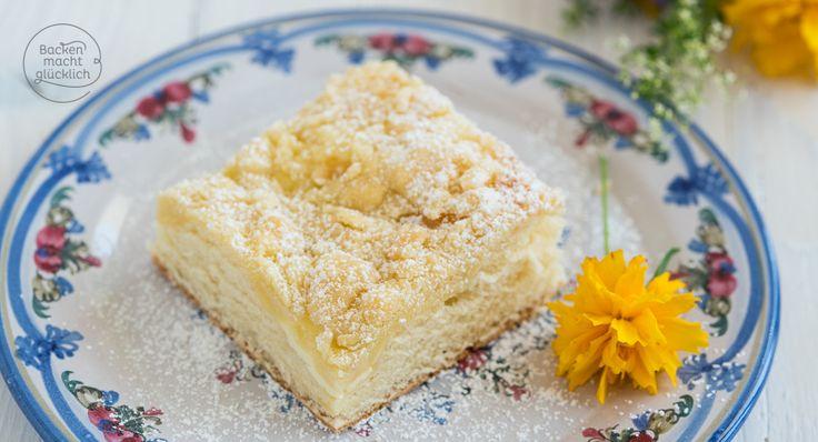 Knusprige Streusel und fluffiger Hefeteig sind eine perfekte Kombi! Und dieses einfache Streuselkuchen-Rezept vom Blech gelingt immer.