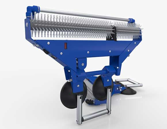 Efficiënt reinigen van de binnenzijde van een rolluik met de U-clean rolluik reiniger. Geschikt voor ieder type rolluik, zonder demontage van de rolluiken.