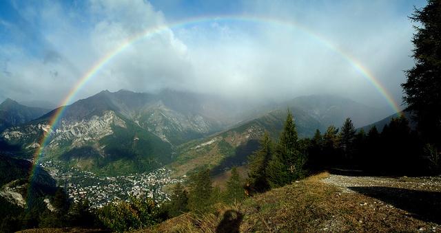 Panorama con arcobaleno by Comune_Bardonecchia, via Flickr