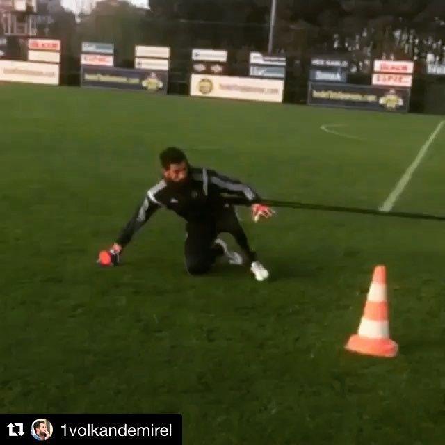 Short training clip with @1volkandemirel @fenerbahce  #turkey  _______________________________________________________ #goalkeeper #goalkeepers #goalkeepertraining #goalkeepercoach #goalkeepercoaching #torwart #torwarttraining #torwarttrainer #keeper #målvakt #målvaktsträning #gktrainer #gktraining #gktrainingvideos #gardiendebut #portiere #book #books  #soccer #football #fussball #sport #bramkarz #bramkarze #goleiro #goleiros #portero #kaleci #volkandemirel
