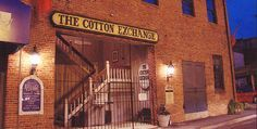 Many, many, many shops to peruse in this old cotton gin building downtown Wilmington, NC.  Plus there are shops ALL AROUND THE BUILDING in the downtown to boot!  Bring your comfy shoes and gift tote bags!  So much here to browse & buy!