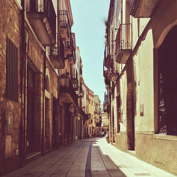 thomas_k's photo by  #montblancmedieval #Tarragona #Montblanc #Catalunya #Cataluña #Catalonia #Catalogne #turisme #tourisme #turismo #tourism #trip #travel #viatjar #viatge #viajar #viaje #urban #urbano #urbà #street #calle #carrer #arquitectura #architecture #street_photography
