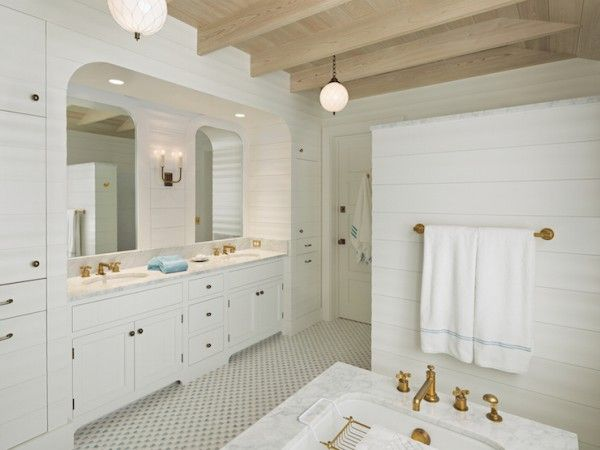 What We Re Loving Now Shiplap Walls Alcove And White