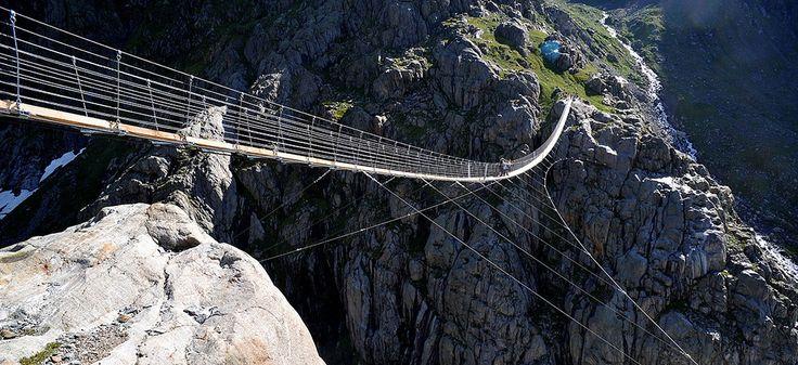 En Suisse, un pont pour les vrais aventuriers