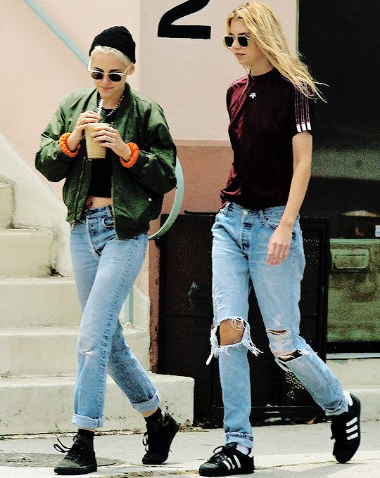 """01.06.17 Kristen Stewart and Stella Maxwell out in West Hollywood """""""