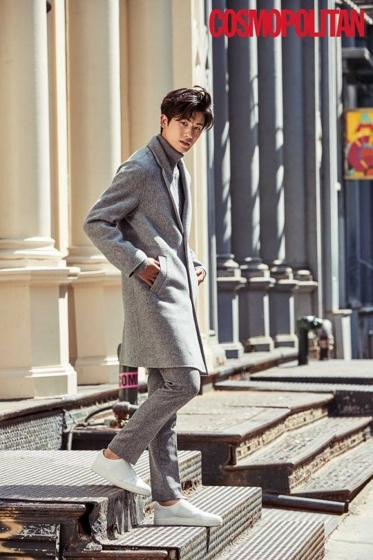 ZE:A's Hyungsik perfected the dandy look on the streets of New York.For the photo shoot with 'Cosmopolitan', Hyungsik flew overseas and modeled the mo…