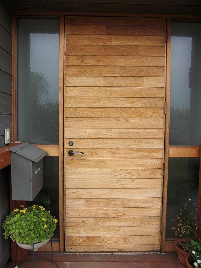 玄関扉の吊り直し - 晴耕雨読で住まいを造ろう ドアークローザーも元へ戻して、開閉チェック。