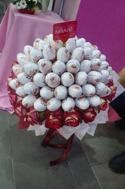 kinder surprise egg cake bouquet - Ü-Eier Strauss