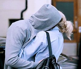 I don't know what it means what you post... I know how I feel. I know who I think about hugging when I come home tired like these days. And you know it too. It's important we hold on in this time. It will pass. And I will be happy to see you whenever it will happen.