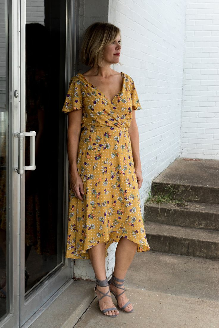 A shade of yellow perfect for fall. https://www.fitandflatter.com/reviews/10/ml/pretty-in-the-city-dress