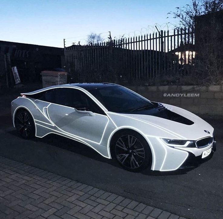 BMW i8 > ausm car ! I will just falling in love to be the owner of dis CAR !