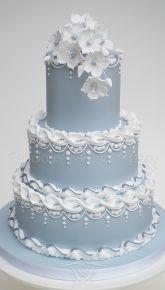 http://www.fabulouscakecompany.co.uk/wedding-cakes-norfolk/