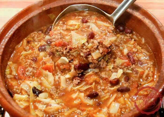 What is a recipe for cabbage soup using ground beef?