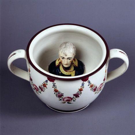 pot de chambre avec tête de Napoléon C1805