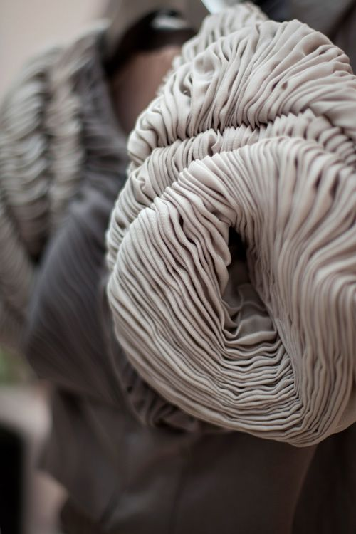 Fabric Manipulation sculptural textile textures for fashion // Yiqing Yin