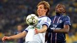 Denys Garmash (FC Dynamo Kyiv) & Blaise Matuidi (Paris Saint-Germain FC)   Dynamo Kyiv 0-2 PSG. 21.11.12.