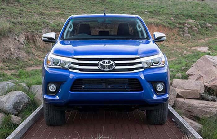 Upcoming 2019 Toyota Hilux Exterior Interior Redesign and Released Engine
